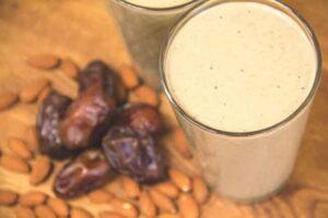 Almond Vanilla Chai Protein Smoothie